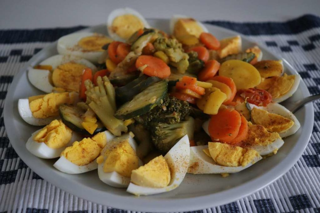 """boiled eggs and frozen veggies breakfast from article """"Easy meal prep ideas for dinner"""""""