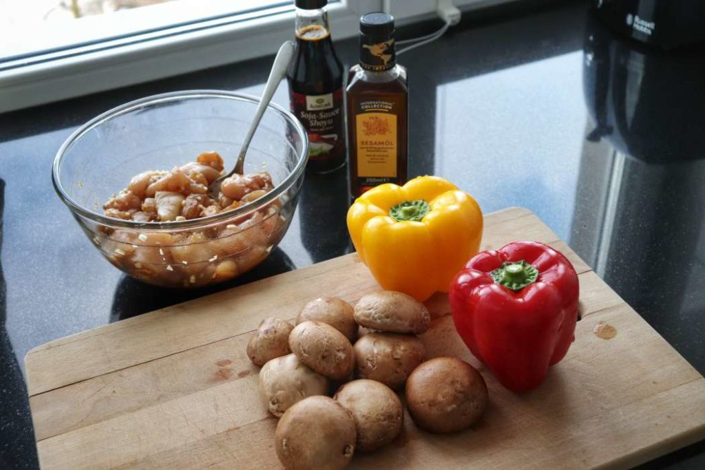 """Stir fry asian chicken being prepared for meal prep from article """"Easy meal prep ideas for dinner"""""""